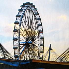 HO028 London Eye in Motion